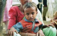 सीडीओ ने दे दिए कुपोषित बच्चों के परिवारों को घरों में पौधे लगाने के निर्देश