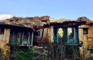 बेटे-बहुएं दिल्ली चले गए घर में रह गए बूढ़े