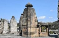 बैजनाथ के शिव मंदिर की तस्वीरें