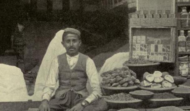 सौ साल पुराने कुमाऊँ की तस्वीरें
