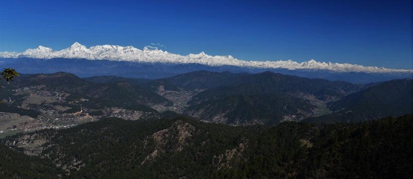 प्रकृति के वैभव के बीचोबीच है ऐड़ाद्यो का मंदिर