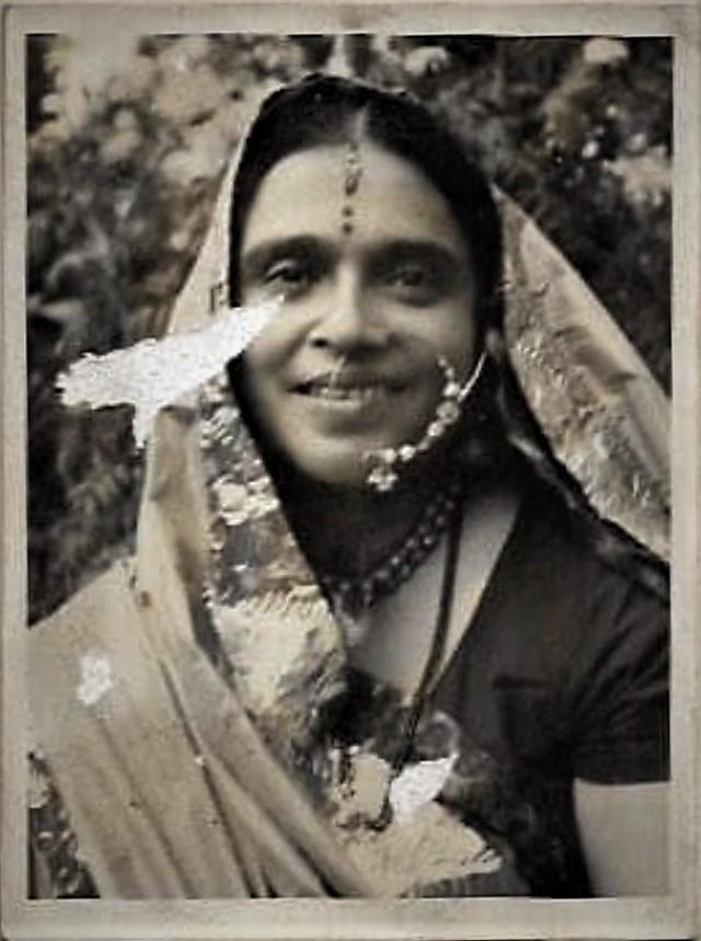 Shivani, Laati, शिवानी, लाटी