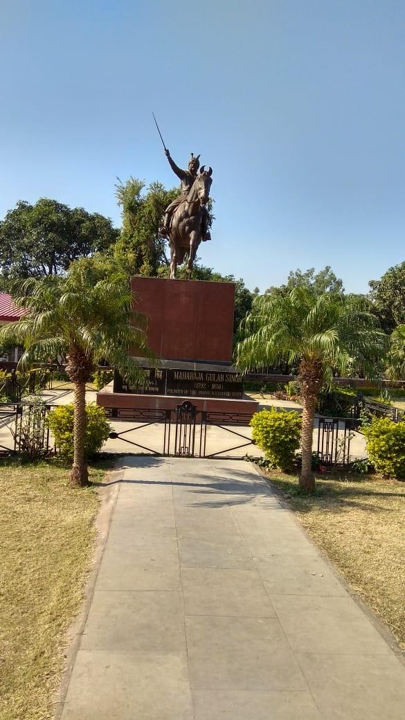 Memoirs by Dinesh Karnataka