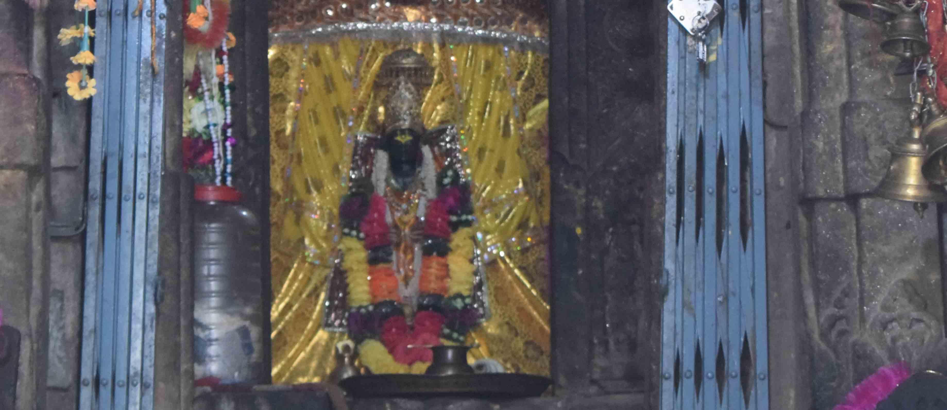 आदि बद्री मंदिर की तस्वीरें