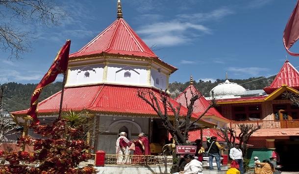 नैनीताल में मां नयना देवी मंदिर