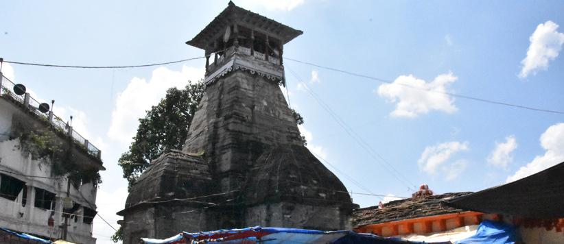 अल्मोड़े के नन्दा देवी मंदिर से छेड़छाड़ करने पर अंधा होता होता बचा था अंग्रेज कमिश्नर