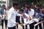 किताबों और शिक्षकों के लिये धरना कॉलेज के हित में नहीं है : पिथौरागढ़ जिला प्रशासन