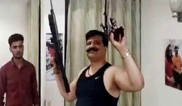 क्या चैंपियन को भाजपा ने बाहर का रास्ता दिखा दिया है