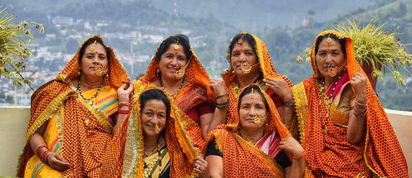लोकपर्व सातों-आठों में पहले दिन महिलायें ऐसे बनाती हैं गमारा