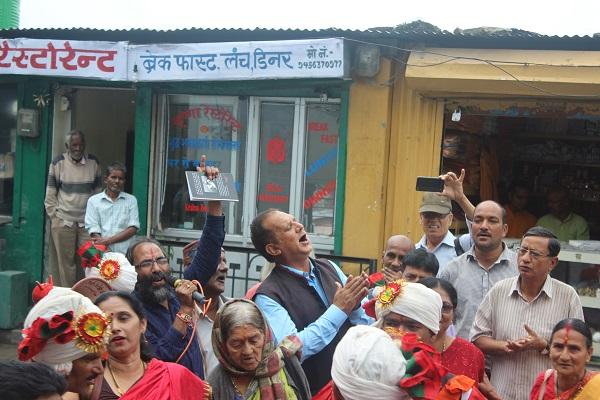 Girish Tiwari Girda Death Anniversary