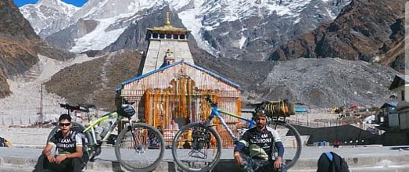 हल्द्वानी के 2 युवा 350 किलोमीटर की साइकिल यात्रा कर पहुंचे केदारनाथ