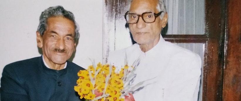 प्रताप भैया की जयन्ती पर विशेष : मेरे चाचा अपने नहीं, खान मेरे चाचा