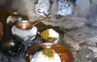 बहुत कायदे बरतकर बनता है पहाड़ी रसोई का दिव्य दाल-भात