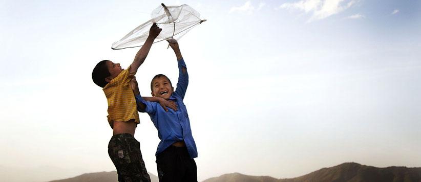 पतंग लूटना कला भी है और विज्ञान भी