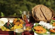 थाली का श्रृंगार बढ़ाने वाले शुद्ध पहाड़ी घी में बने पकवान