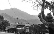 इतने सालों बाद भी कोई सरकार पहाड़ों में रोजगार नहीं चढ़ा पाई