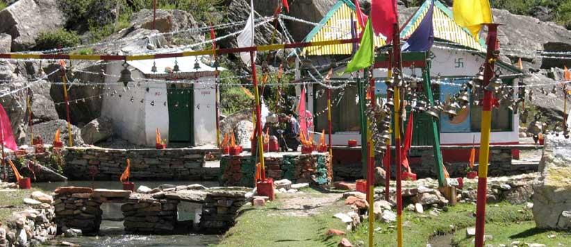 महाकाली नदी के उद्गम पर स्थित मां काली का भव्य मंदिर