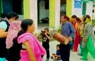 आपदा के बीच घ्यूं त्यार के दिन ढुस्का गाते धापा गांव के परिवार