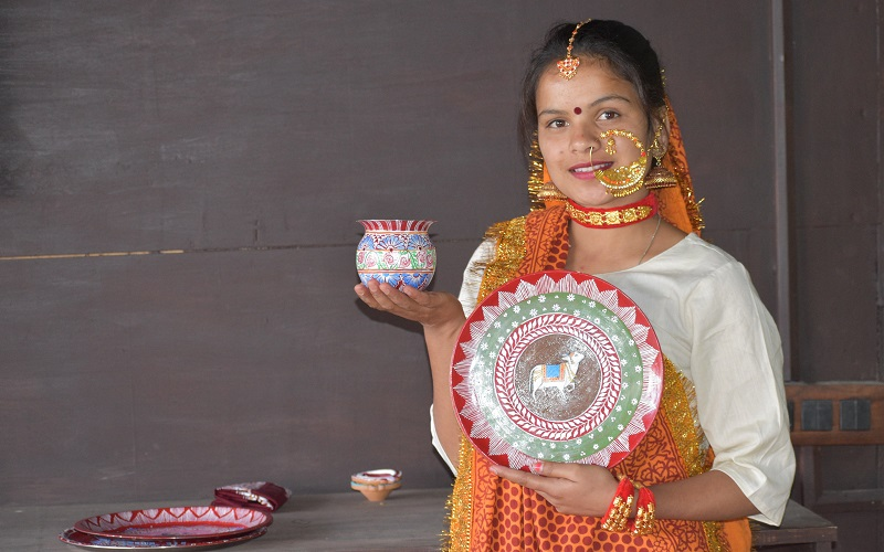 Diwali Aipan Thal by Hemlata