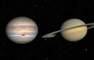 आकाश के रंगमंच पर सूर्यास्त के बाद बृहस्पति और शनि ग्रह का महामिलन हो रहा है आज