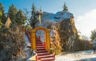 नैनीताल में सीजन की पहली बर्फबारी की तस्वीरें: अमित साह के कैमरे से जादू