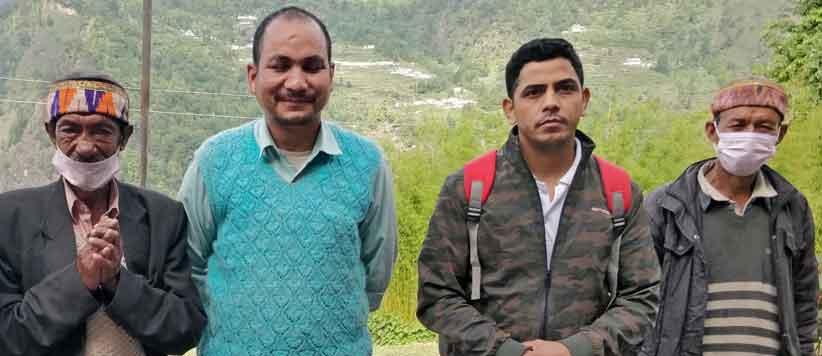 नामिक गांव के शिक्षक भगवान सिंह जैमियाल