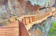 दुनिया के सबसे खतरनाक रास्तों में शुमार उत्तराखंड की 'गर्तांग गली' पर्यटकों के लिए खुली
