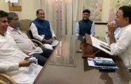 उत्तराखण्ड सरकार के मंत्री यशपाल आर्य अपने विधायक पुत्र संजीव के साथ कांग्रेस में शामिल